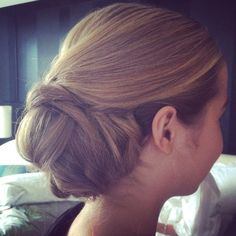 Love this wedding hair by Runway Room!