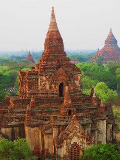 Customize and book holiday tour packages with Cosianatour to see Myanmar. Myanmar remains a land of breathtaking beauty and charm yet only recently emerging into the modern world. Myanmar Travel, Burma Myanmar, Laos, Amazing Architecture, Ancient Architecture, Bagan, World Heritage Sites, Travel Inspiration, Painting Inspiration