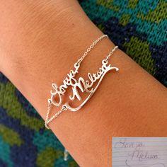 Signature Bracelet Handwriting Bracelet Personalized by capucinne Name Bracelet, Bracelet Making, Bridesmaid Bracelet, Bridesmaid Gifts, 30 Gifts, Gifts For Mom, Unbreakable Wine Glasses, Mom Planner, Simple Bracelets