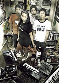 Up dharma down | #OPM #Bands..A great Pinoy Band and has a lot of very good song repertoire!!