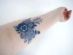 Floral vintage Dutch 'Delfts Blauw' Temporary Tattoo - Blue, Flower, Spring