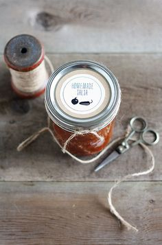 farm fresh printable labels from Lulu the Baker | labels for tomato sauce, blackberry jam, salsa, and more!