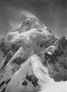 Vittorio Sella, K2, from the Southern Ridge of Staircase Peak, 1909