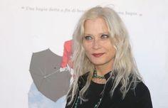 Isabel Russinova al salotto letterario di Cetara | Report Campania