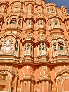 In 1876, the city of Jaipur was painted pink in honour of Prince Albert of Wales' arrival. Post this, Jaipur came to be known as the 'Pink city of India'.