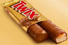"""Right Twix: """"We take a scrumptious cookie bar, we cascade caramel over it and we cloak it in chocolate. I think these are all good reasons to make Twix your favorite candy Chocolate Twix, Choclate Bar, Chocolate Lovers, Chocolate Dreams, 1980s Candy, Retro Candy, Chocolates, Set Cookie, Cookie Bars"""
