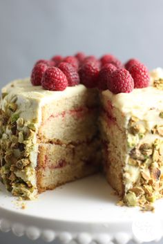 White Chocolate, Vanilla and Raspberry Layer Cake - Yum!