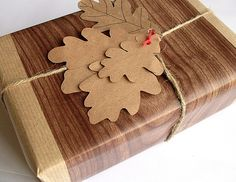 More Christmas wrapping ideas, with a woodland theme this time! Faux bois is terribly on trend, darling...  Blogged: bugsandfishes.blogspot.com/2008/11/gift-wrap-ideas-3-faux...   http://arsanambalaj.com.tr