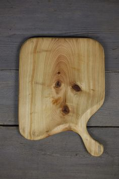 Handmade Wooden Platter, Serving Board, Cutting Board out of Cypress Wood by Lin Babb of Linwood (Diy Cutting Board Kitchen Utensils) Diy Cutting Board, Wood Cutting Boards, Chopping Boards, Handmade Table, Handmade Wooden, Wood Ipad Stand, Wood Pizza, Wooden Platters, Cypress Wood