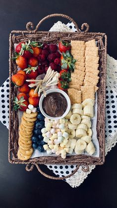 Wedding Puddings, Fried Mac And Cheese, Party Themes, Party Ideas, Angel Aesthetic, Glamping, 4th Of July, Fries, Boards