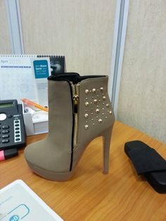 Nude ankle boot with spikes!