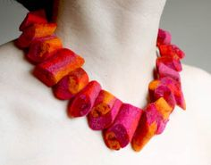 chunky pink necklace b