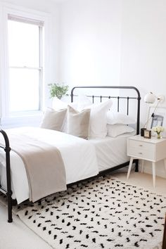 Dream Home Interior In Bed By A Relaxing Refresh for Our Guest Room Elizabeth Street Post.Dream Home Interior In Bed By A Relaxing Refresh for Our Guest Room Elizabeth Street Post Simple Bedroom Decor, Small Room Bedroom, Bedroom Romantic, Dream Bedroom, Simple Bedrooms, Decor Room, Diy Bedroom, Simple Bedroom Design, Bed Room