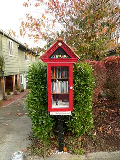 """""""Boite à lire => concept de la lecture"""" I would like to do this - a way to eliminate personal waste & be able to look at something else"""