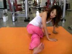 体が硬い人でも必ず開脚が出来るようになるストレッチ方法(泉栄子先生) #Eiko #開脚の女王 - YouTube