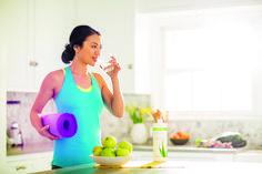 L'acqua aiuta il tuo corpo a trasportare i nutrienti alle tue cellule e porta via le scorie. Pensi di berne abbastanza? 💧