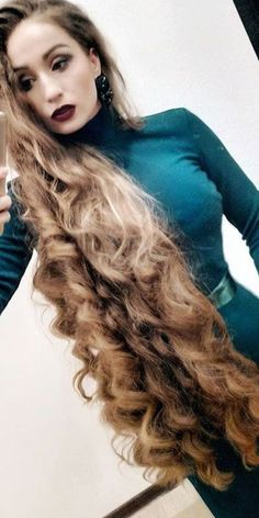 Ideas for excellent looking women's hair. Your hair is without a doubt just what can define you as an individual. To the majority of people it is certainly vital to have a very good hair style. Big Curls For Long Hair, Really Long Hair, Long Red Hair, Long Natural Hair, Long Curly Hair, Big Hair, Natural Hair Styles, Long Hair Styles, Beautiful Long Hair