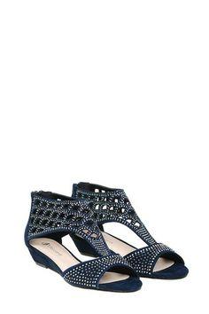 297814b30a371 Obraz reprezentujący produkt Sandały damskie płaskie w sklepie Buty męskie,  buty damskie | sklep internetowy