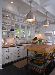 wonderful kitchen. Let's cook something.
