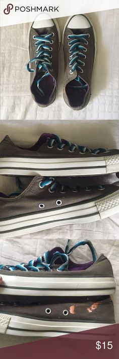 Gray converse Size 5, women's 7. Great condition, only worn a few times. Looks great other than getting bleach on one shoe as pictured. •no trades or holds✖️ •I'm only on poshmark✔️ •use offer button please💙 •same/next day shipping📬 Converse Shoes Sneakers