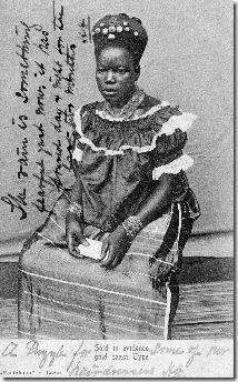 "Gold Coast, Fanti Woman"" – postcard circa 1900, photographer ""W.S. Johnston & Sons, Art Photographers, Freetown, Sa Leone"