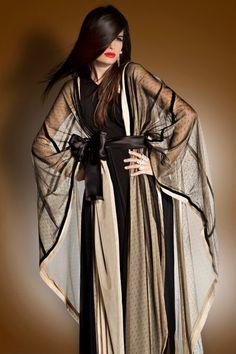 How To Live Like an Omani Princess: Designer Khaleeji Abaya Brands: Slouchy Z