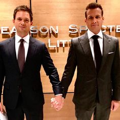 """Suits"" centers on a fast-paced Manhattan corporate law firm led by legendary lawyer Harvey Specter (Gabriel Macht), his intelligent but delicate partner, Louis Litt (Rick Hoffman), and secretary-turned-COO Donna Paulsen (Sarah Rafferty). Serie Suits, Suits Tv Series, Suits Tv Shows, Gabriel Macht, Mike Ross Suits, Suits Harvey, Mike Harvey, Harvey Specter, Suits Usa"
