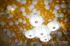 Balloon Filled Ceiling during Bat Mitzvah cocktail hour The Event Of A Lifetime, Inc.