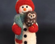 Needle felted snowman with owl. от SebagoFiberDesigns на Etsy