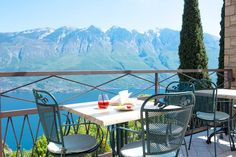 Tremosine sul Garda am Gardasee - Infos und Tipps zu Tremosine Restaurant Bar, Patio, Outdoor Decor, Nature, Home Decor, Europe, Group Tours, Conference Room, Large Backyard