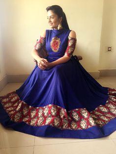 Long Gown Dress, Saree Dress, Sonam Kapoor, Deepika Padukone, Indian Frocks, Kalamkari Designs, Kalamkari Dresses, Frock Design, Lehenga Designs