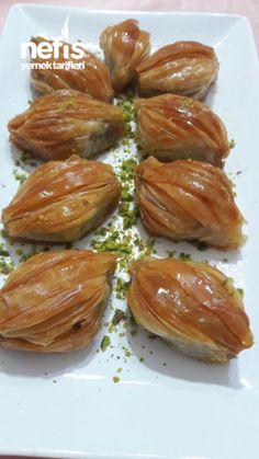 Ahmet krtl  - Mekik Tatlisi # afiyet olsun Armenian Recipes, Turkish Recipes, Greek Recipes, Baklava Cheesecake, Baklava Recipe, Peach Cookies, Turkish Sweets, Tandoori Masala, Sweet Pastries