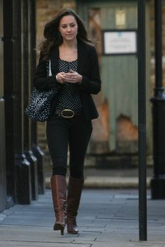 Kate Middleton -- for all those boot lovers....do you love her boots or what??