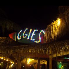 Iggies beach bar, St Thomas USVI... Love this place!!! <3
