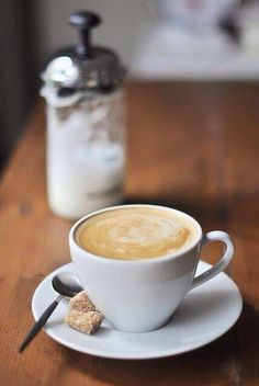 Sharing for All coffee Lovers. Favorite coffee drinks, lattes, frappuccino, liquors, anything coffee. Enjoy and share with your fans! I Love Coffee, Coffee Break, Morning Coffee, Coffee Cafe, Coffee Drinks, Coffee Flower, Coffee Instagram, Coffee Spoon, Coffee Photography