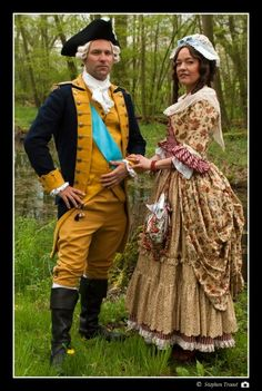 George and Martha Washington, costume reproductions by Angela Mombers, late century Historical Costume, Historical Clothing, George Washington Costume, Character Design Inspiration, Style Inspiration, Period Costumes, Teen Costumes, Vintage Outfits, Vintage Fashion