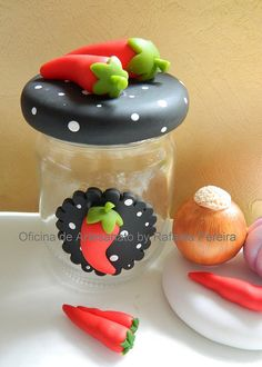 Jar decorated with Fimo ♥ Clay Jar, Fimo Clay, Polymer Clay Projects, Polymer Clay Creations, Polymer Clay Art, Ceramic Clay, Clay Pots, Resin Crafts, Polymer Clay Animals