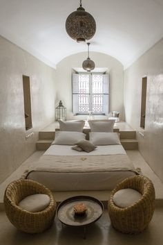 Moroccan bedroom design is an exotic design that will inspire African-themed look in your home. Explore ideas and tips on how to achieve this look. Moroccan Bedroom, Moroccan Interiors, Moroccan Decor, Indian Bedroom, Moroccan Furniture, Moroccan Lanterns, Moroccan Design, Grey Furniture, Moroccan Tiles