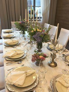 Svatební tabule ve stříbrné hotel Freud#wedding table in chateau style