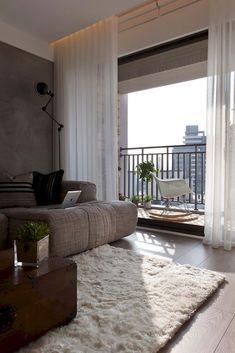 70+ Stunning Gray White Living Room Decor Ideas http://homecemoro.com/70-stunning-gray-white-living-room-decor-ideas/