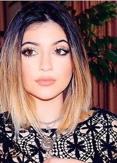 Kylie Jenner hat kurze Haare – Cabello teñido – Famous Last Words Look Kylie Jenner, Kylie Jenner Makeup, Kendall Jenner, Kylie Jenner Short Hair, Kylie Hair, Kyle Jenner, Jenner Style, My Hairstyle, Cute Hairstyles