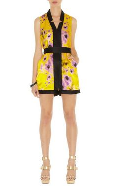 Karen Millen Yellow Floral Playsuit Pn066 Sale High quality Karen Millen Dresses with discounts are sold in Karen Millen on Sale store. The classic and deluxe Karen Millen Signature Dress in elegant styles and chic colors are the most attractive dress for graceful ladies.Karen Millen Floral Dress will make you charming and eye-catching.