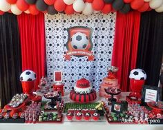 Table set up idea Football Theme Birthday, Soccer Birthday Parties, Football Themes, Birthday Table, Soccer Party, 13th Birthday, Happy Birthday, Birthday Decorations, Party Time