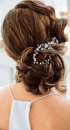 Editor's Pick: Dazzling Wedding Hairstyles. To see more: http://www.modwedding.com/2014/09/04/editors-pick-dazzling-wedding-hairstyles/ #wedding #weddings #wedding_hairstyle