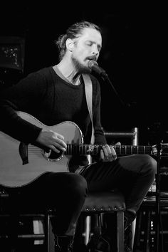 Chris Cornell Photos Photos - Image has been shot in black and white. Color version not available.) Alex & Ani host ROCK4EB! with Sting and Chris Cornell at EBMRF Benefit on January 14, 2017 in Malibu, California. - ROCK4EB! 2017 With Sting and Chris Cornell