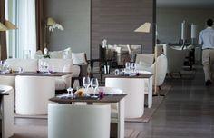 Restaurant at La Reserve Hotel in Ramatuelle by Jean-Michel Wilmotte _
