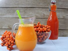 Rakytníkový sirup zastudena Hot Sauce Bottles, Smoothie, Herbs, Drinks, Healthy, Food, Syrup, Cooking Recipes, Cooking