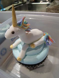 Unicorns DO exist, in cupcake form, at least