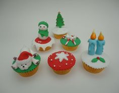 STEP BY STEP  6...CHRISTMAS CUPCAKE TOPPERS ,,,,,TUTORIAL