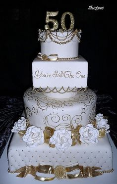50th anniversary party ideas | Beautiful 50th Wedding Anniversary Cake | 50th Party ideas